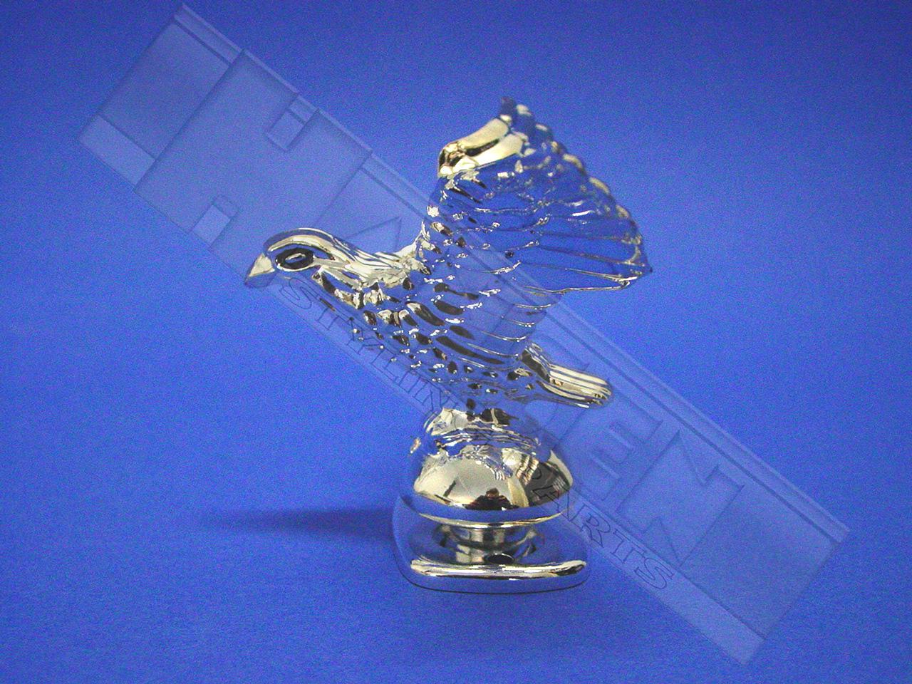 zierfigur fliegender adler emblem ornament fenderemblem